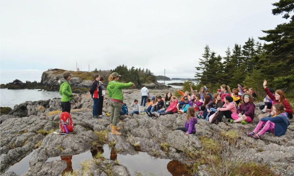 La Fondation emmène des élèves dans les sites naturels.